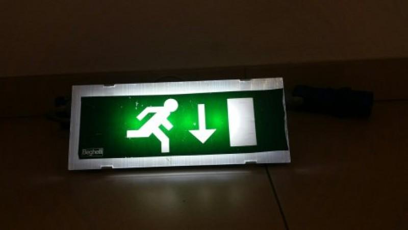 Illuminazione: plafoniera per illuminazione di sicurezza